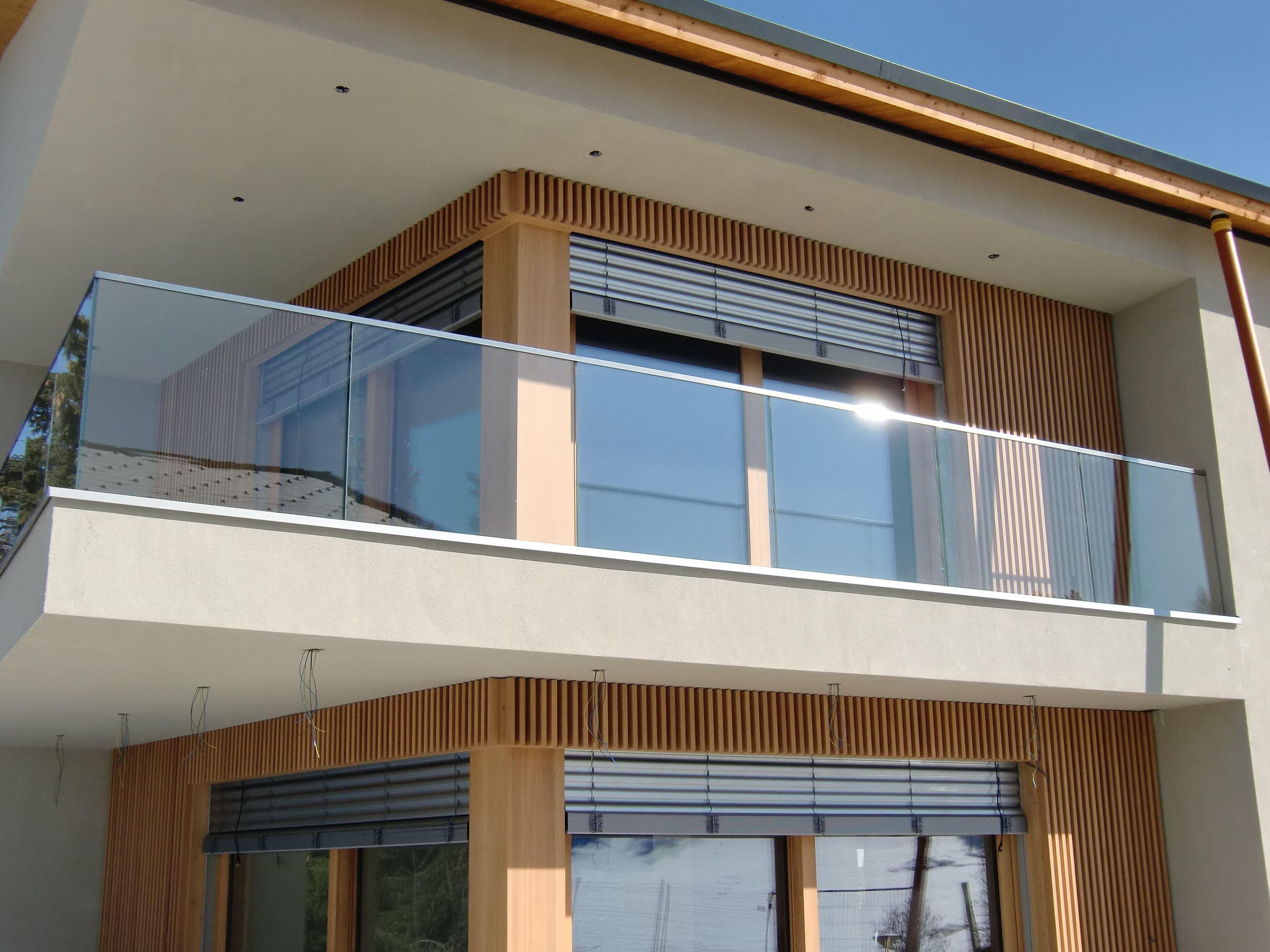 Прозрачное стеклянное ограждение балкона 01.